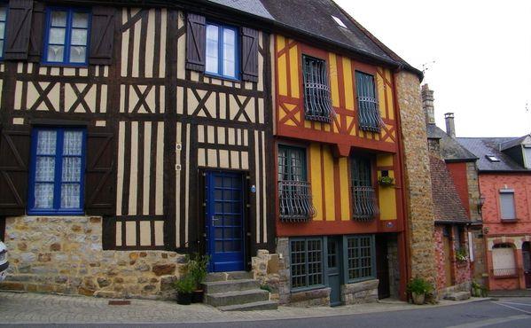 2427 Rue de la Poterne, Domfront