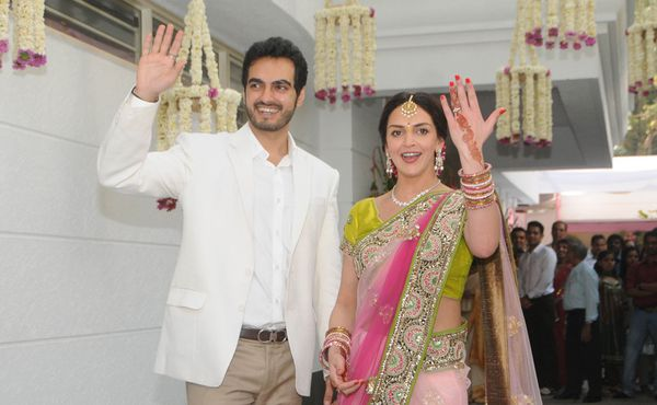 Esha-Deol-Engagement----Fashion-India-Blog-Saree-1.jpg