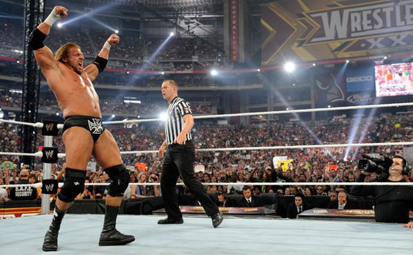 http://img.over-blog.com/600x371/3/96/65/63/Catch/Bilan-2010/HHH-vs-Sheamus/triple-h-wrestlemania.jpg