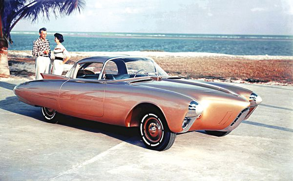 1956_Oldsmobile_Golden_Rocket_Concept_03.jpg