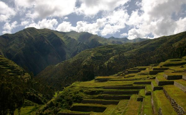 TERRASSES-INCAS-CHINCHERO.JPG