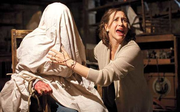 The-Conjuring-Review.jpg