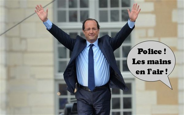 francois-hollande-police-mains-en-l-air.jpg