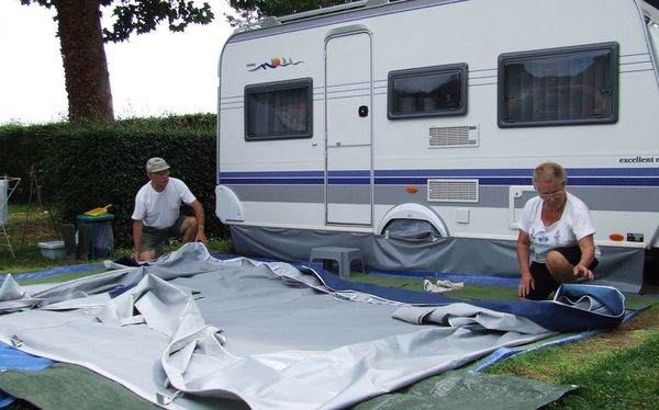 20100814 S32 4689 camping-bl