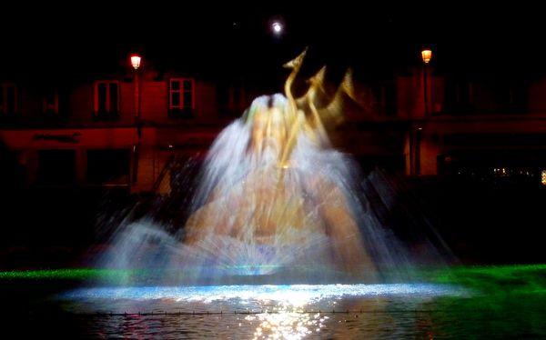 Mur d'eau place république Neptune