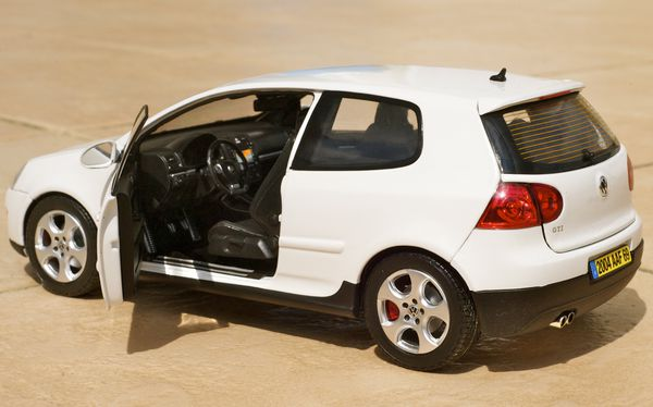 VW GOLF GTI COUPE BLANC NOREV23