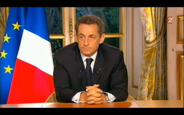 Sarkozy-index-gauche-index-droit.jpg