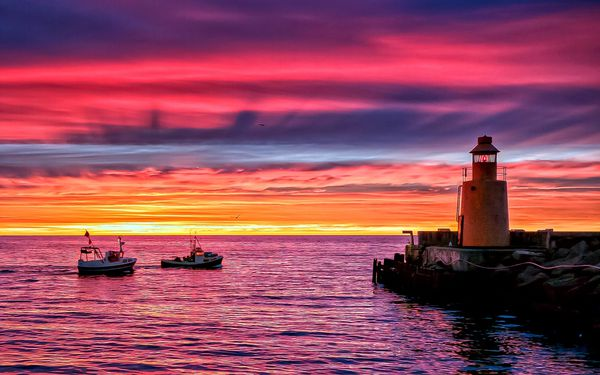 fond ecranLighthouse-beach-pier-sunset-evening-sea-boats 19