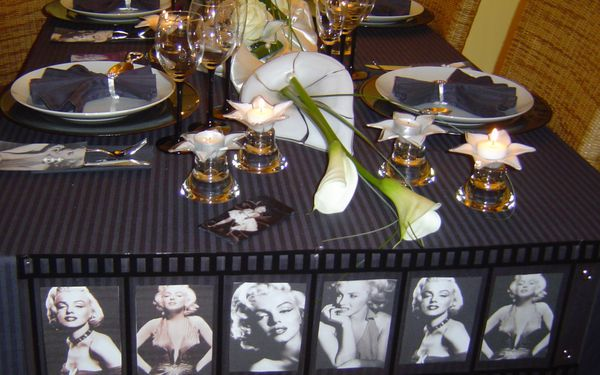 table marilyn monroe24