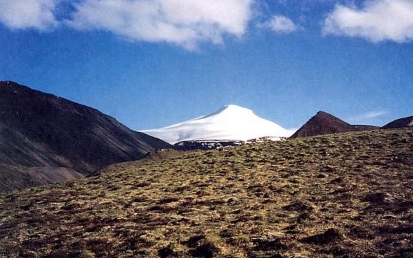 Mount_Gordon---D.Richter-USGS.jpg