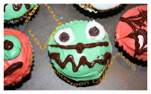 Halloween Cupcakes11