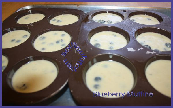 2010-10-07 Blueberry muffins5