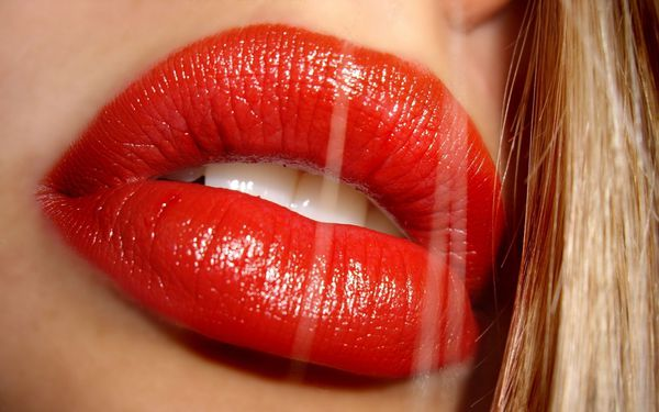 red-lipstick-hd-wallpapers.jpg