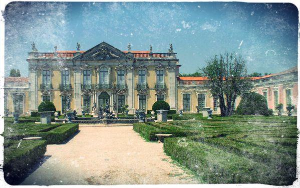 Chateau-de-Queluz-dans-les-environs-de-Lisbonne.jpg