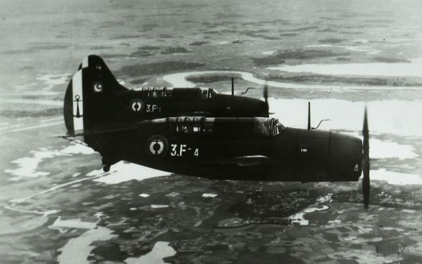 Photo 5 Matra Curtiss Helldiver JCS R (2)