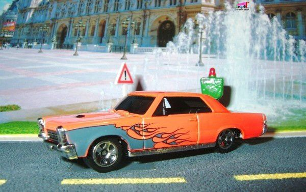65 pontiac gto 2008.070 hot wheels stars (1)