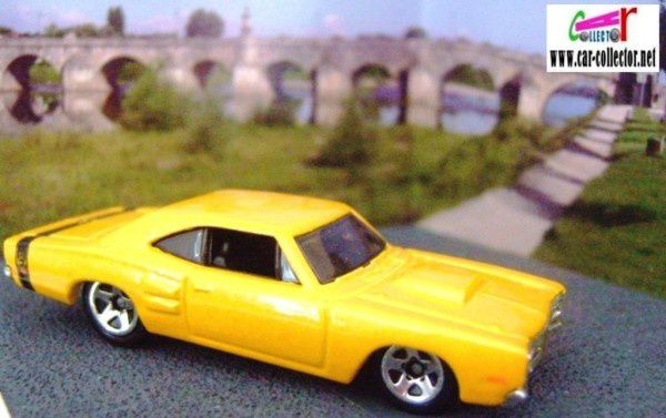 1969 dodge coronet super bee yellow 2008.005 first edition