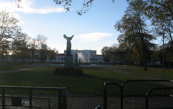 Sq Alexandre1er, 1er Nov 2012 002