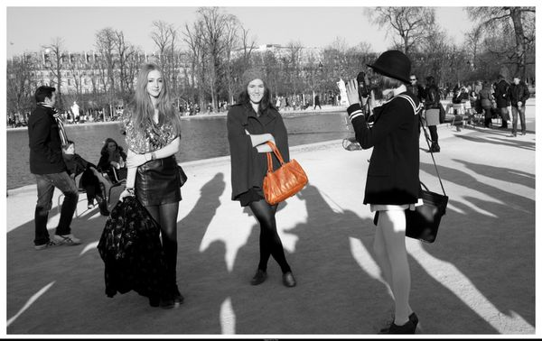 Fashion week 7.3.2011 tuileries coll Chloe (248)nb desat