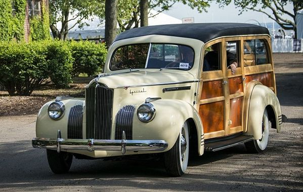 packard_110_woody_station_wagon_1941_115.jpg