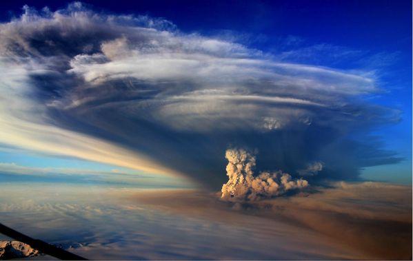 grimsvotn-volcano-ash-plume---Bjorn-Oddsson.jpg