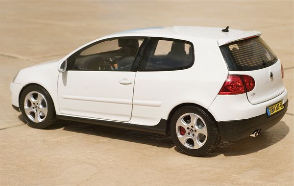 VW GOLF GTI COUPE BLANC NOREV24