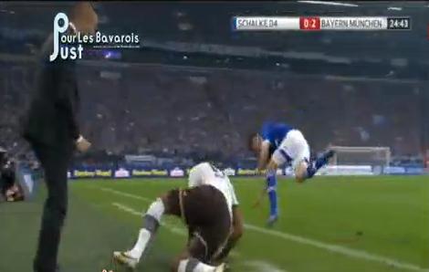 Guardiola donne la fessée à Boateng