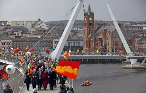 sem13avre-Z29-Dalai-lama-a-Londonderry-Irlande-du-Nord.jpg