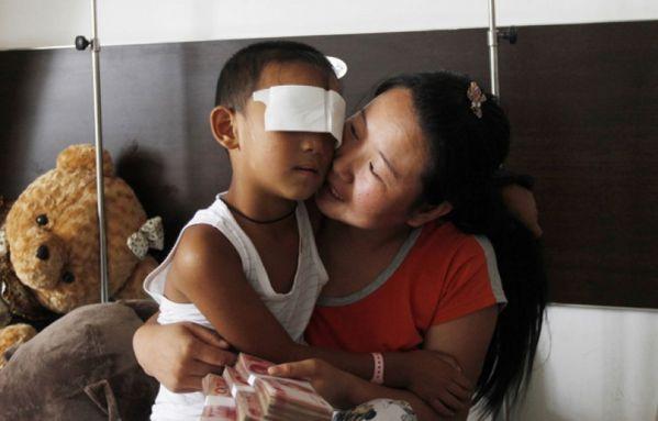 sem13sepb-Z3-Guo-enfant-aux-yeux-voles-Chine.jpg