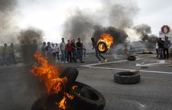 sem12sepc-Z31-Manifestation-a-Ramallah-Palestine.jpg