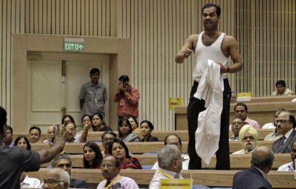 sem12sepg-Z3-inde-protestation-contre-Manmohan-Singh.jpg