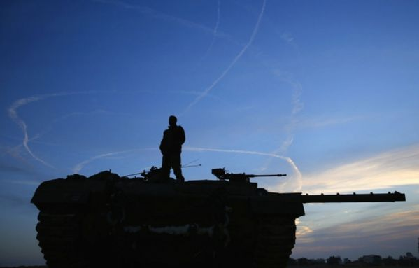 sem12novg-Z6-Tank-israelien-frontiere-bande-Gaza.jpg
