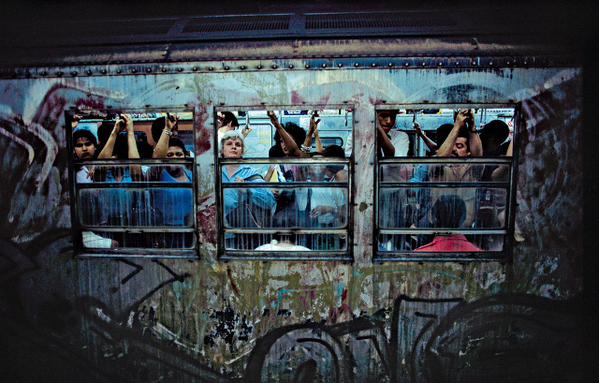 Bruce-DAVIDSON-Metro-new-yorkais-1-.png