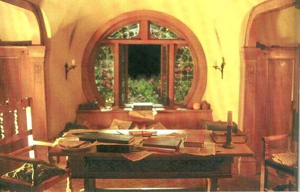 Hobbit hole - Bag end - Film Le seigneur des anne-copie-2