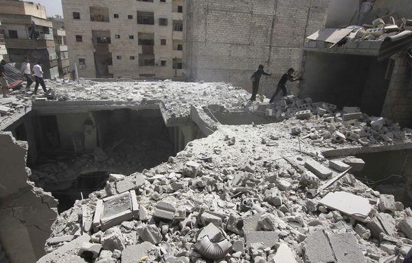 sem13avrb-Z20-ville-d-Alep-Syrie-bombardements-troupes-Bach.jpg