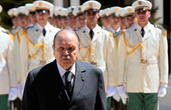 Bouteflika-armee-algerie.jpg