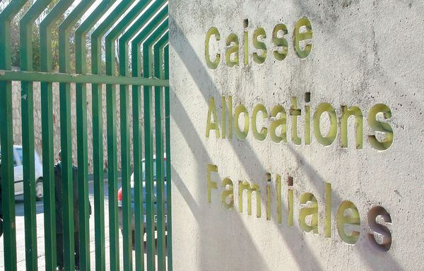 Caisse-d-allocations-familiales.jpg