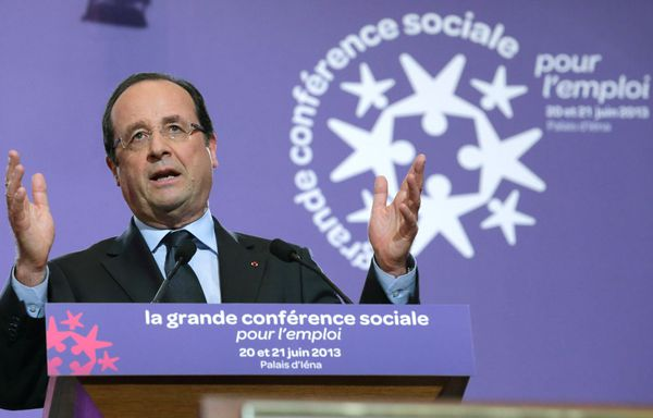 Francois-Hollande-Conference-sociale-retraite.jpg