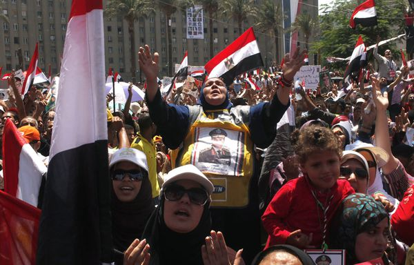 Egypte-Des-manifestants-favorables-au-chef-de-l-armee-Abdel.jpg