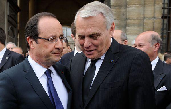 Ayrault-Hollande-records-de-mecontents.jpg