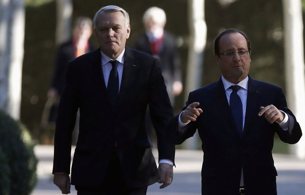 Jean-Marc-Ayrault-Francois-Hollande-reforme-fiscale.jpg