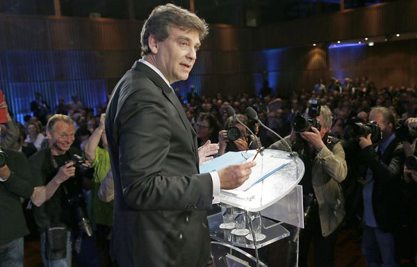 Montebourg-pharmaciens-notaires-huissiers.jpg