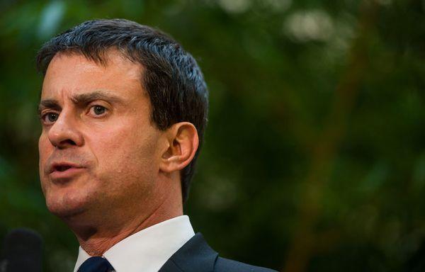 Manuel-Valls-regularisation-des-sans-papiers.jpg