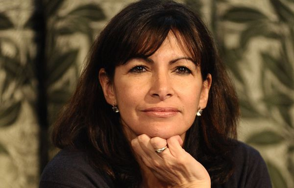 anne hidalgo veut la fin du diesel a paris en 2020 victor association. Black Bedroom Furniture Sets. Home Design Ideas
