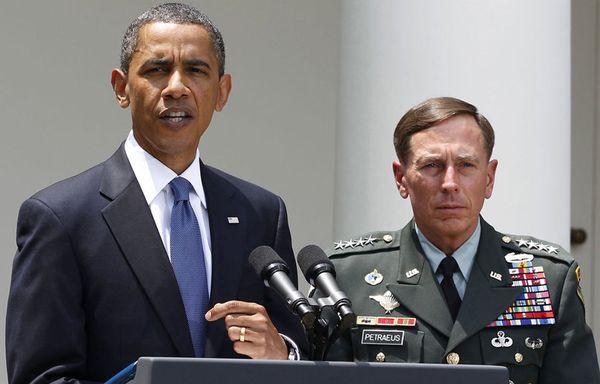 sem51-Z10-Obama-Petraeus.jpg