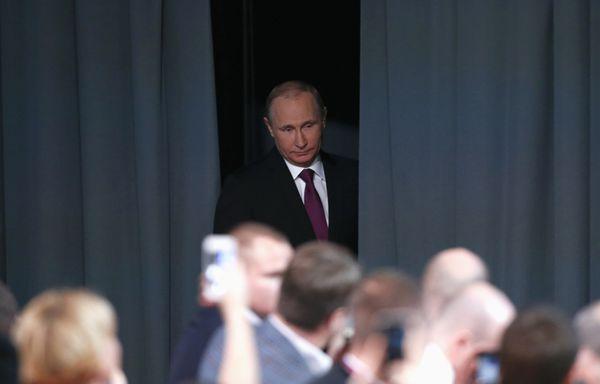 Vladimir-Poutine-rouble-en-baisse.jpg