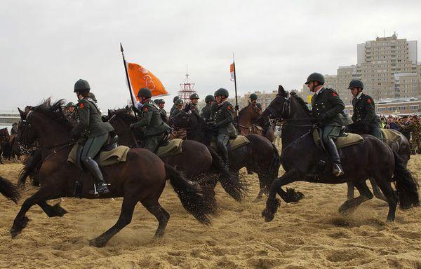 sem76-Z32-Pays-Bas-cavalerie.jpg