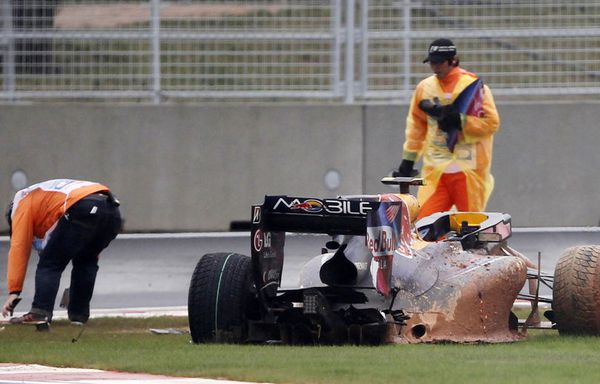 sem86-Z9-F1-Mark-Webber-Red-Bull-abandon-Grand-Prix-de-Core.jpg