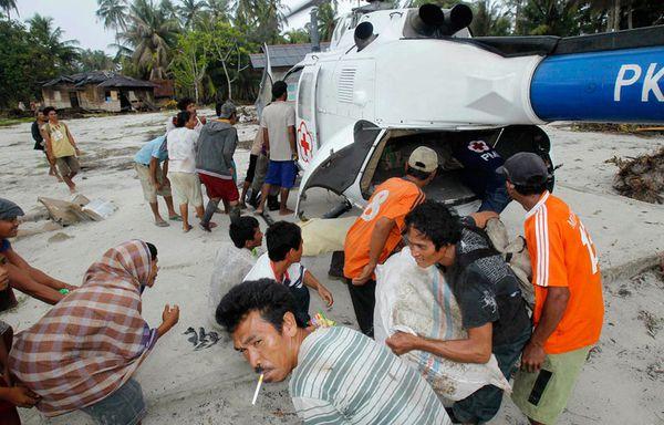 sem88-Z33-Indonesie-Tsunami-Distribution-alimentaire.jpg