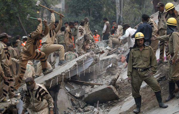 sem92-Z35-New-Delhi-effondrement.jpg